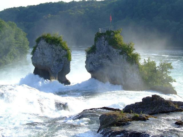 rhine-falls-186732_1280