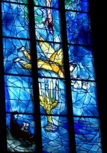 glass-window-250307_1280
