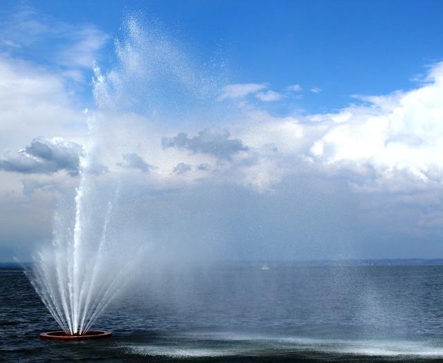 fountain-361048_1280