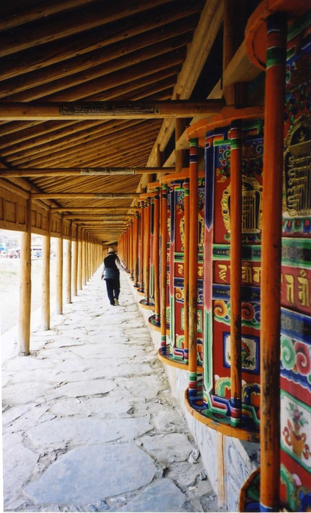 Prayer wheels - Xiahe