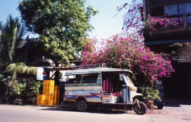 Street scene - Vientiane